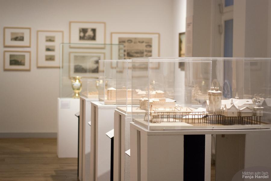"""Der Themenraum über """"Kiel"""" und andere Seebäder in der Ausstellung  """"Balnea. Architektur des Bades."""" im Stadtmuseum Kiel"""