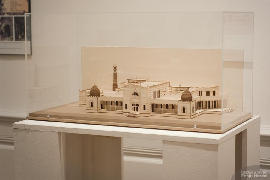 """Modell eines Bades in der Ausstellung """"Balnea. Architektur des Bades."""" im Stadtmuseum Kiel"""